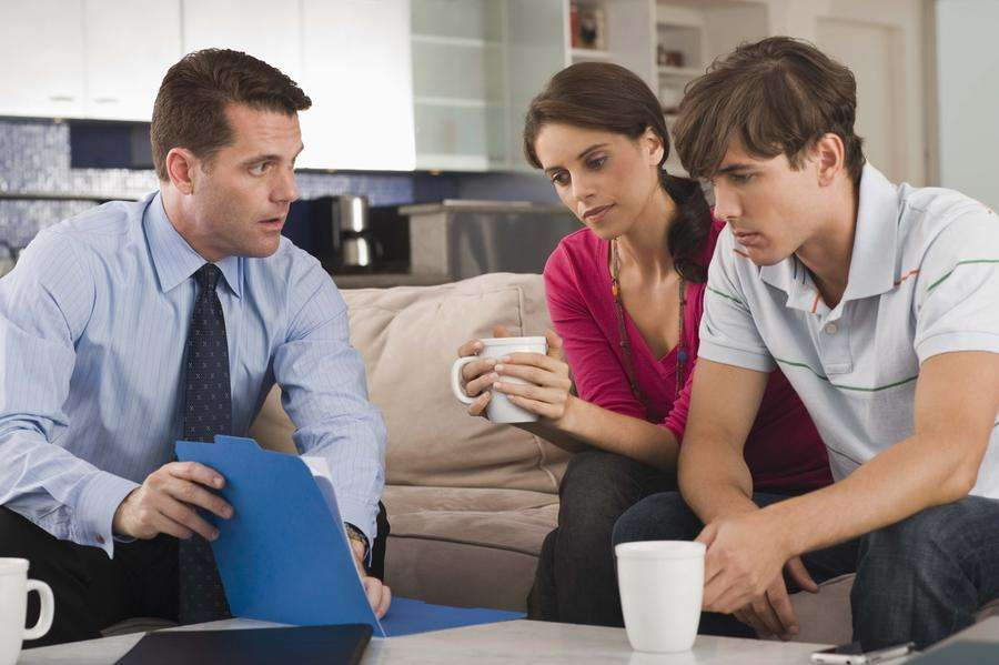 How can nonverbal communication help you run a meeting