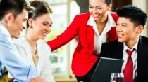 ways to communicate effectively in the workplace